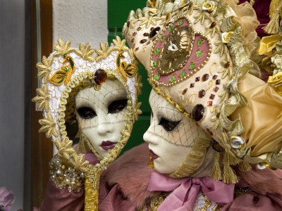 Woman Dressed in Costume For the Annual Carnival Festival, Burano Island, Venice, Italy Photographie
