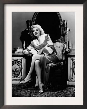 Evelyn Keyes, 1943 Posters