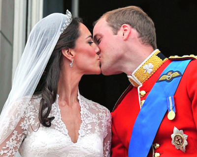 Royal Wedding - Prince William and Kate Middleton - The Kiss