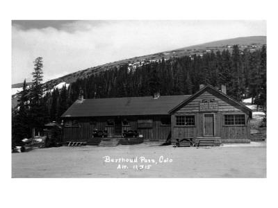 Berthoud Pass, Colorado - Berthoud Pass Inn Exterior Prints by  Lantern Press