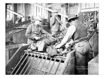 Picking Coal, Franklin Mine, Circa 1902 Premium Giclee Print by Asahel Curtis