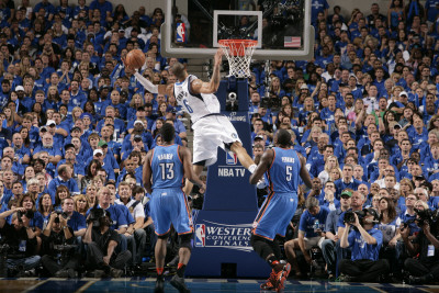 Oklahoma City Thunder v Dallas Mavericks - Game Two, Dallas, TX - MAY 19: Tyson Chandler and Kendri Impressão fotográfica