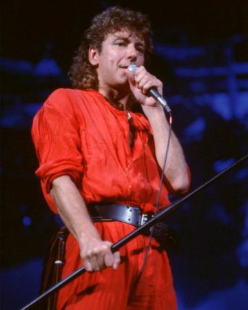 robert-plant-rick-kohlmeyer-1983-milwaukee-arena-milwaukee-wisconsin.jpg