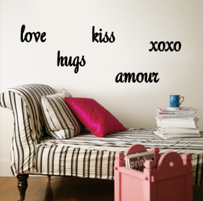 Love, Hugs, Kiss, Amour, xoxo Wall Decal