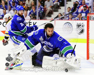 Roberto Luongo Game 2 of the 2011 NHL Stanley Cup Finals Action(12) Photo