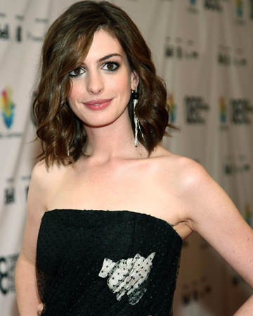 Anne Hathaway Photo