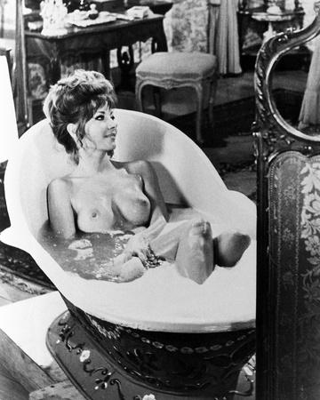 Ingrid Pitt - Countess Dracula Foto