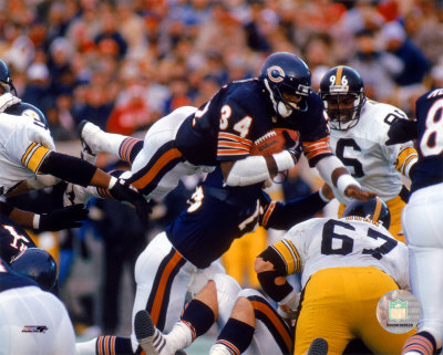 Walter Payton - Action, airbound Photo
