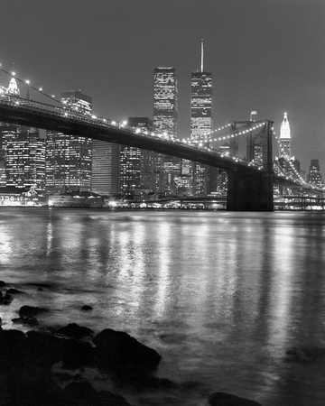 Night View of Brooklyn Bridge and Manhattan Skyline 高画質プリント : クリス・ブリス