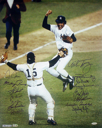 1977 New York Yankees Team Celebration 16 Signature Photograph (LE/27) Photographie