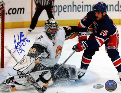 Ryan Miller Autographed Kick Save Vs. Sean Avery Photograph Fotografía