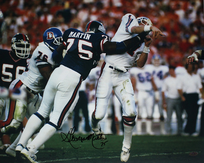 George Martin Autographed SB XXI Hit on Elway Horizontal Photo (Signed in Black) Photographie