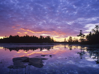 Lighthouse Pond at Sunrise, Kilarney Provincial Park, Ontario, Canada Valokuvavedos