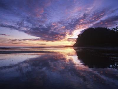 Haida Gwaii anciennement îles de la Reine-Charlotte, L'aube sur le mont Tow, Graham Island, Colombie-Britannique, Meilleures Destinations de Voyage, Canada, poster photo par Chris Cheadle