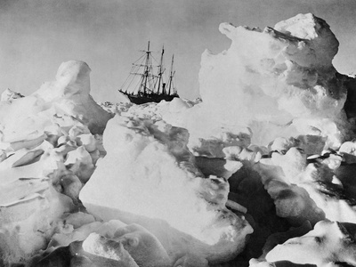 Ernest Shackleton's Ship Endurance Trapped in Ice Photographic Print by  Bettmann