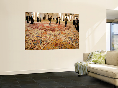 Interior of Sheikh Zayed Bin Sultan Al Nahyan Mosque (Also known as Sheikh Zayed Grand Mosque) Giant Art Print