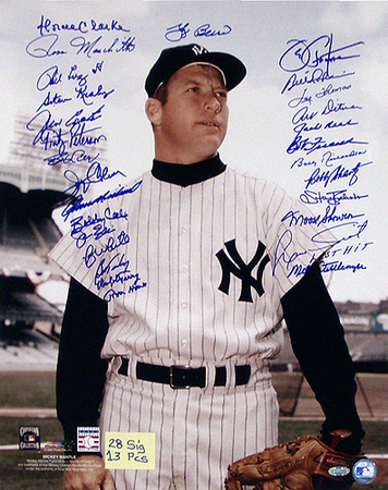 New York Yankees 28-Sig Mickey Mantle Pose Color Photo