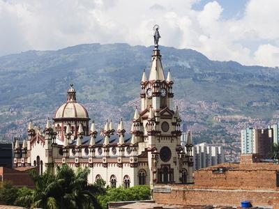 Photo d'une église à Medellin, Colombie, Amérique du Sud, Meilleures Destinations de Voyage, poster photo par Christian Kober
