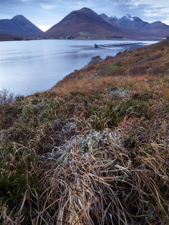 A View Towards the Cuillin Hills Across Loch Ainort on the Isle of Skye, Scotland, United Kingdom Lámina fotográfica
