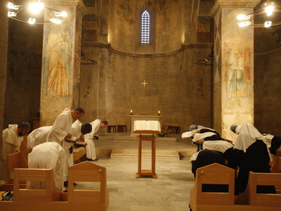 Vespers at Abu Gosh Benedictine Monastery, Israel, Middle East Fotografisk tryk