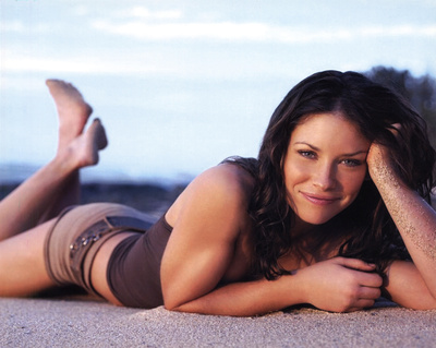 Lost (Kate Austen on Beach) Glossy TV Photo Photograph Print Photo