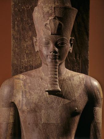 A Quartzite Lifesize Statue Amenhotep III As the God Atum Fotoprint av Kenneth Garrett