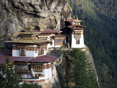 Taktshang Goemba (Tiger's Nest Monastery), Paro Valley, Bhutan, Asia Photographic Print by Lee Frost