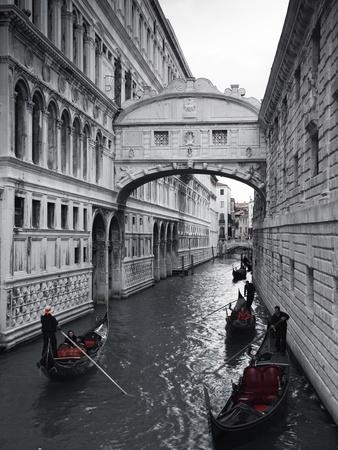 Bridge of Sighs, Doge's Palace, Venice, Italy 写真プリント : ジョン・アーノルド
