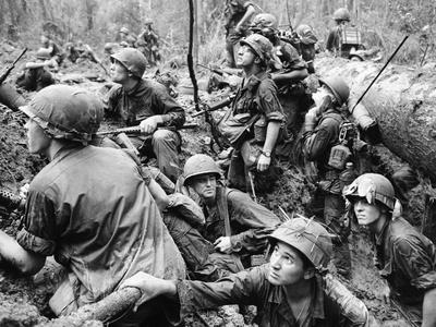 Vietnam War U.S.Marines Fotoprint av Henri Huet