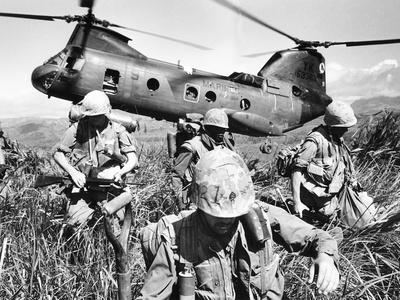 Vietnam War U.S. Marines Photographic Print by  Associated Press