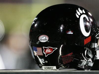 University of Cincinnati - Cincinnati Football Helmet Foto