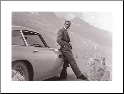 James Bond: Aston Martin Reprodukce aplikovaná na dřevěnou desku