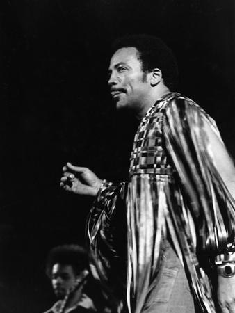 Quincy Jones - 1975 Photographic Print by Tod Duncan