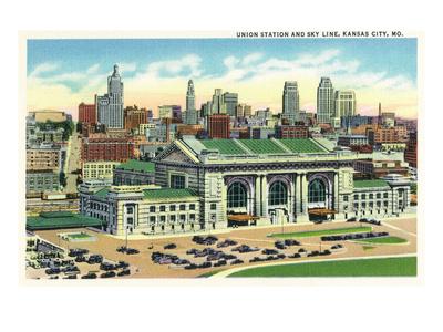 Kansas City, Missouri - Union Station and Skyline View Art by  Lantern Press
