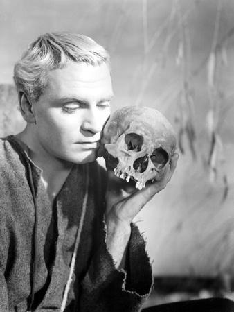 Hamlet, Laurence Olivier, 1948 Photo