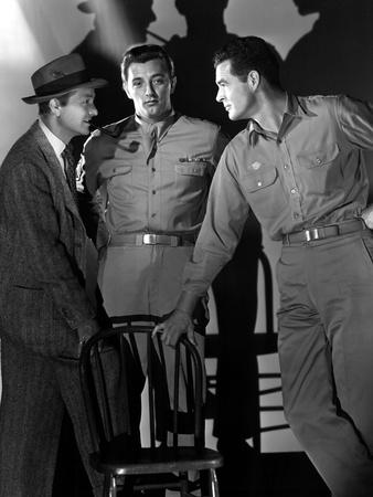 Crossfire, Robert Young, Robert Mitchum, Robert Ryan, 1947 Photo