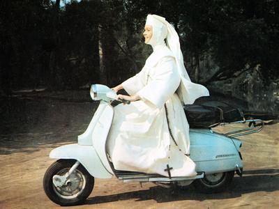 The Singing Nun, Debbie Reynolds, 1966 Photo