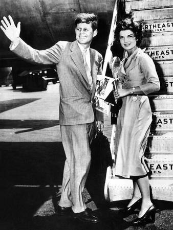 Sen John Kennedy and His Fiancée, Jacqueline Bouvier, LaGuardia Airport, Hyannis, MA, Jun 26, 1953 Photo