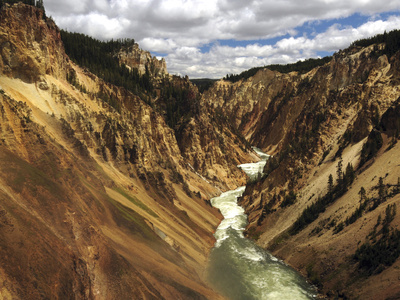 Grand Canyon of the Yellowstone canyon photo by Michel Hersen