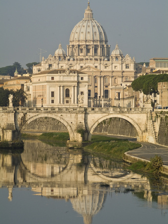 Saint Peter's Basilica and Ponte Sant'Angelo Reflected in the Tiber Fotografisk tryk af Daniella Nowitz