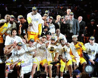LA Lakers 2010 Finals Champs sit down Celebration (32) Photo