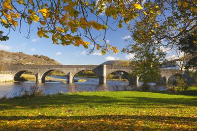 River Wye and Bridge, Builth Wells, Powys, Wales, United Kingdom, Europe Fotografisk tryk af Billy Stock