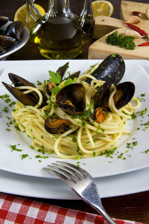 Spaghetti with Mussels (Mytilus Galloprovincialis), Cuisine Photographic Print by Nico Tondini