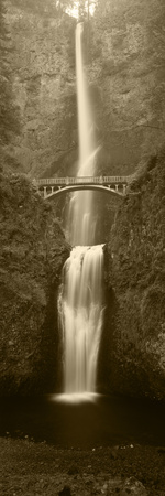 View of Multnomah Falls in Columbia Gorge, Oregon, USA Photographic Print by Walter Bibikow