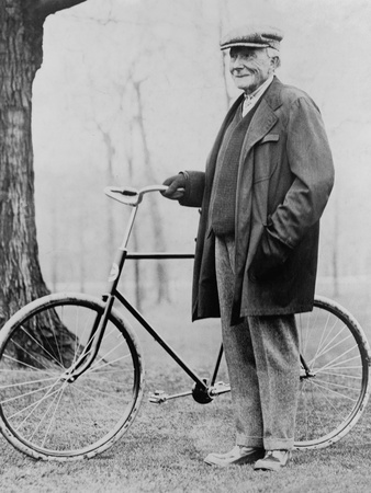John D. Rockefeller 1939-1937 with His Bicycle after His Retirement, 1913 Fotografía