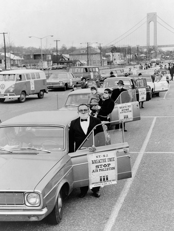 Protesters of 'Operation Breath Free' Wear Surgical Masks in Staten Island, 1967 Photo