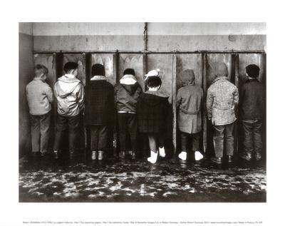 Duif komt ook plassen Print van Robert Doisneau