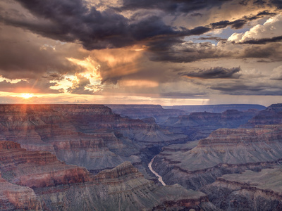 Photo of the South Rim Colorado River with overcast sky at Mohave Point things to do in Grand Canyon by Michele Falzone