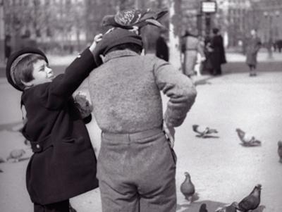 Enfants et Pigeons Art by  Jahan