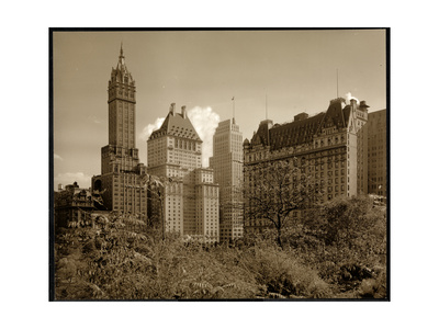 View of the Savoy Plaza Hotel, 59th Street and Fifth Avenue, New York, c.1937 Gicléedruk van  Byron Company